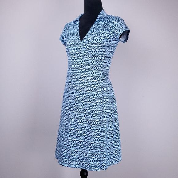 J. McLAUGHLIN blue print cap sleeve wrap dress